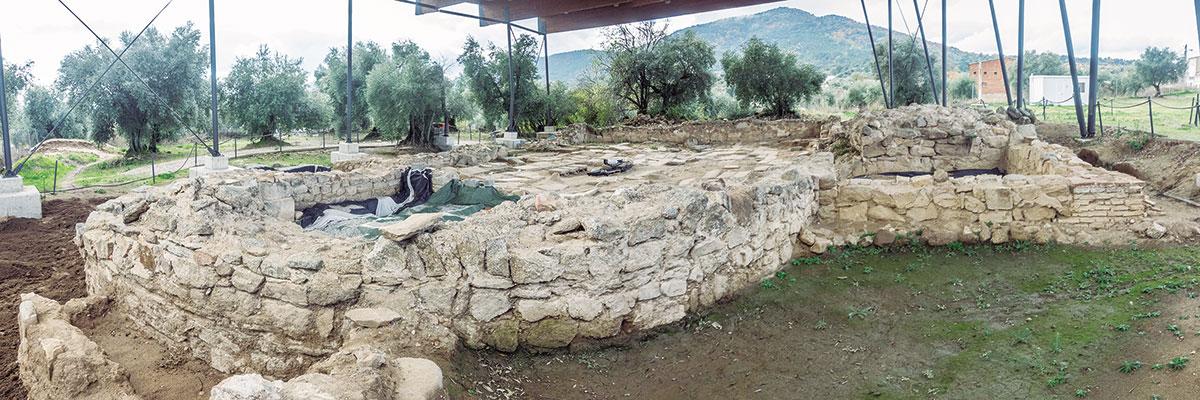 Yacimiento de La Mezquita, Cadalso de los vidrios