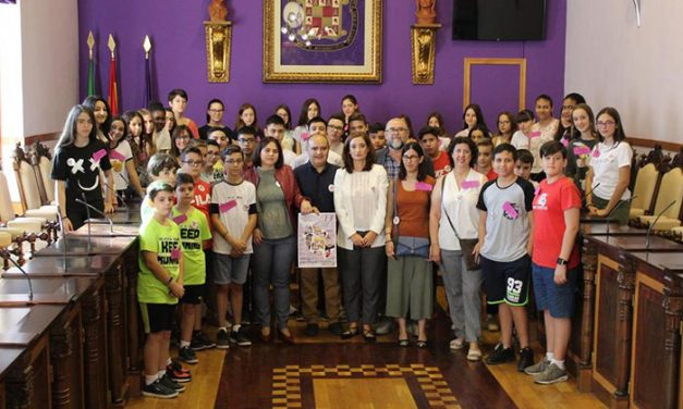 El Ayuntamiento de Jaén participa en el Día Internacional de la Niña en defensa de sus derechos y para reivindicar su papel en la sociedad