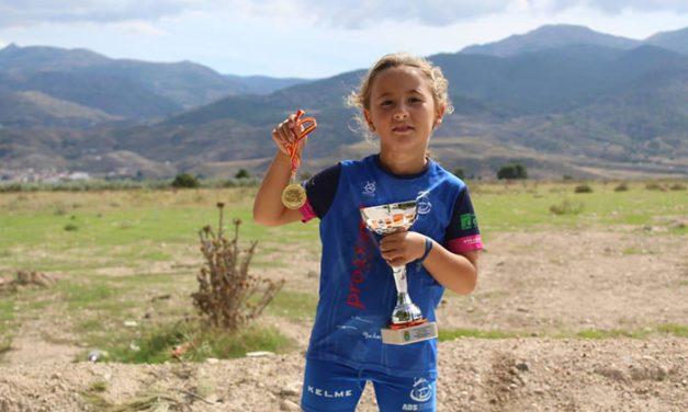 Naia Díaz Moreno, subcampeona de triatlón de menores en Andalucía