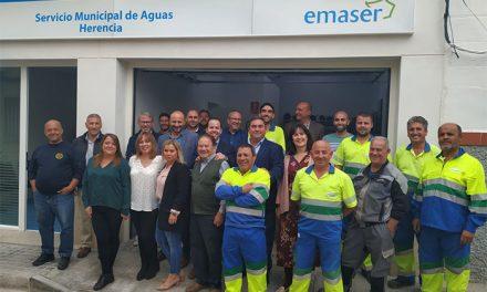 El alcalde de Herencia inaugura oficialmente la nueva oficina del Servicio de Aguas