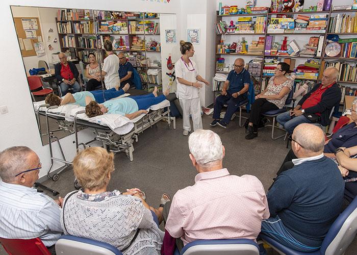 El Hospital Universitario de Getafe pone en marcha una Escuela de Pacientes de prótesis de rodilla