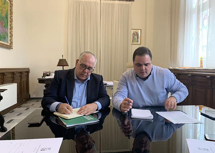 El alcalde aborda con Fomento asuntos de especial interés para Martos como la necesidad de suelo industrial