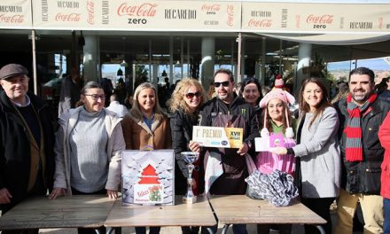 El Concurso de Migas de Navidad organizado por el Ayuntamiento vuelve a reunir a decenas de personas en el paseo de Recaredo