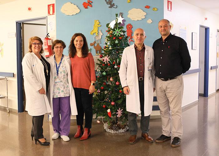 La alcaldesa y el concejal de Salud visitaron a los pequeños ingresados en el Hospital de Getafe