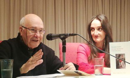 """Valentín Arteaga destaca la """"humanidad y misericordia"""" en los versos de Antonia Cortés"""
