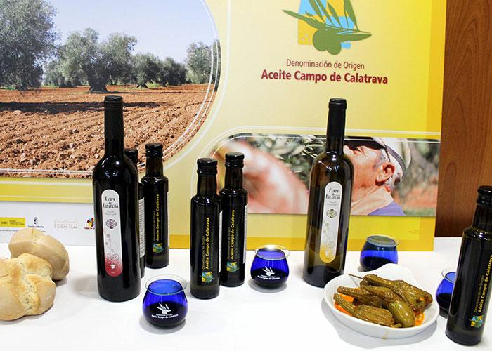 """La DO Aceite Campo de Calatrava presenta los primeros AOVEs de la campaña, elaboraciones en verde de """"aceitunas perfectas"""""""