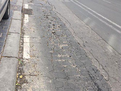 El Ayuntamiento de Jaén repara zonas deterioradas de pavimento en las avenidas de Madrid y Granada y la calle de acceso al Polígono Industrial Llanos del Valle