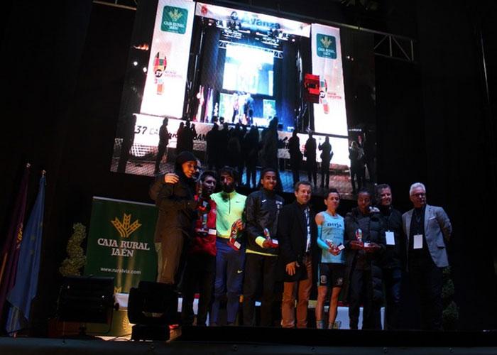 Fernando Carro y Gudaf Tsegay se imponen en la Carrera Urbana Internacional Noche de San Antón «Caja Rural»