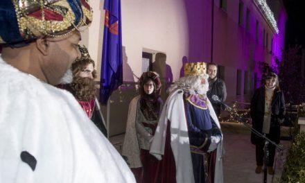 Miles de personas acompañaron a Melchor, Gaspar y Baltasar en la Gran Cabalgata de Pozuelo de Alarcón