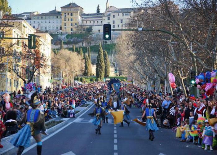 Unas 1.500 personas participan en el Carnaval de Toledo más inclusivo que tuvo a 'El trono es nuestro' como gran ganadora