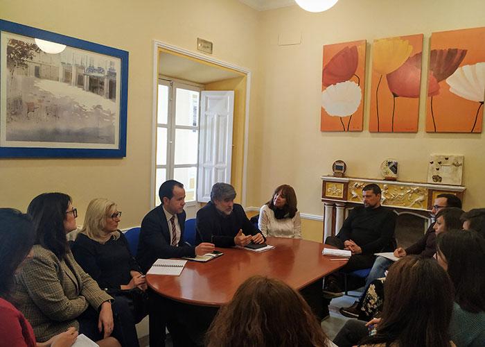 El director general de Acción Social plantea en Herencia las nuevas líneas de trabajo del Gobierno regional en el ámbito de Servicios Sociales