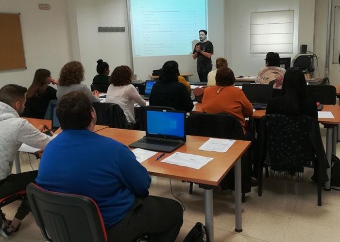 El IMEFE capacita en el manejo de herramientas TIC a 15 personas desempleadas a través del convenio con Andalucía Compromiso Digital