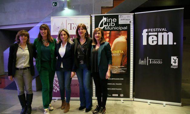 La alcaldesa destaca la contribución de Mabel Lozano al activismo en clave feminista a través del séptimo arte y de la literatura
