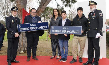 Inaugurada la calle Eduardo Asenjo Carrasco, policía local fallecido en 2008 mientras prestaba servicio