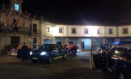 Protección Civil entrega mascarillas a los usuarios del transporte público en Guadarrama