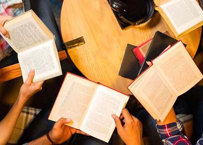 Fecha de devolución de libros y documentos a Bibliotecas municipales: 1 de junio