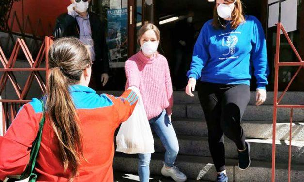 El Ayuntamiento de Getafe entrega 1.000 comidas diarias a mayores, niños y familias en riesgo de exclusión