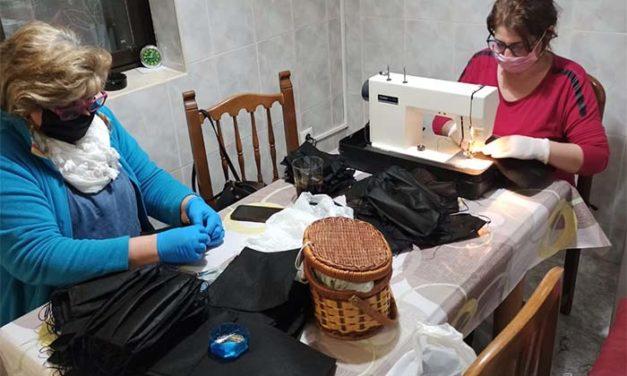 60 costureras de Carrión de Calatrava confeccionan casi 13.000 mascarillas para el personal sanitario y policial