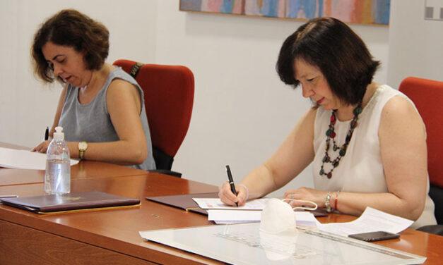 Ayuntamiento de Alcázar y Cruz Roja renuevan el convenio con siete proyectos destinados a la población más vulnerable