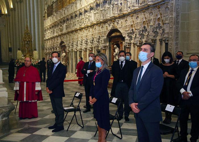 Milagros Tolón participa en la celebración del Corpus Christi en la Catedral