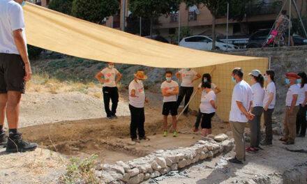 El Ayuntamiento de Jaén da la bienvenida a un nuevo grupo de voluntarios que se incorpora a los trabajos arqueológicos de Marroquíes Bajos