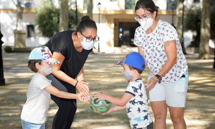 Las medidas sanitarias de seguridad no limitan las ganas de los niños y niñas de disfrutar de la Escuela de Verano 2020