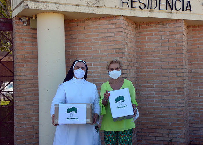 La Gran Red solidaria de AFAMMER continúa ayudando a los mayores del medio rural
