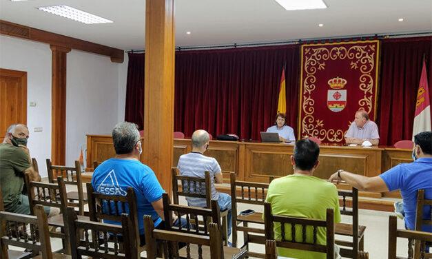 El Ayuntamiento de Carrión de Calatrava y la JCCM informan a los empresarios del nuevo polígono industrial de la localidad de las diferentes ayudas que tienen a su disposición