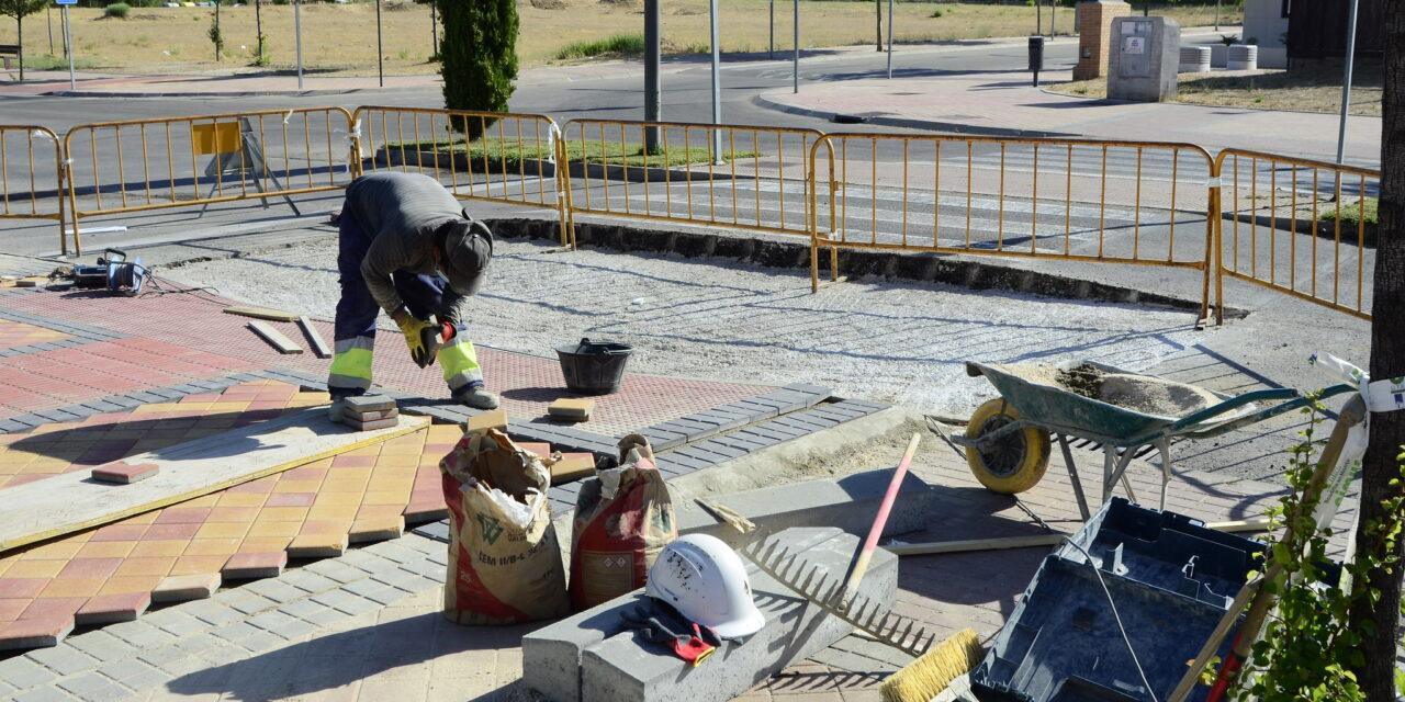 El Ayuntamiento de Boadilla mejora y reordena los badenes de la zona de El Pastel