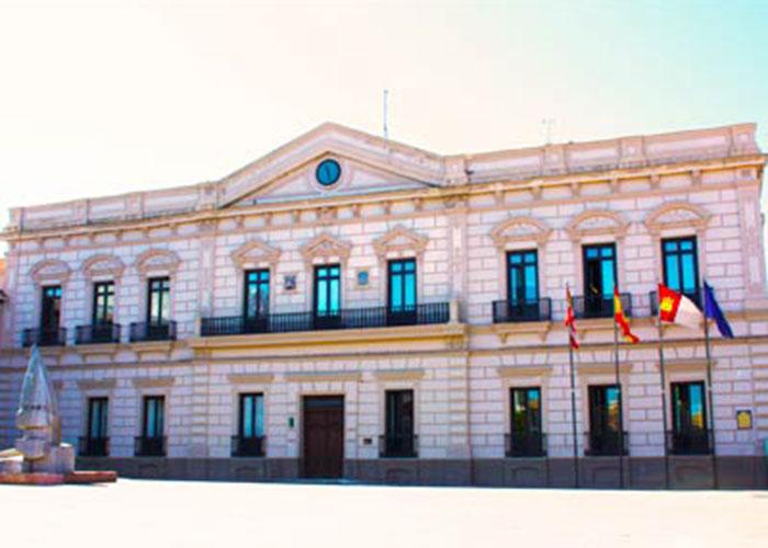 El ayuntamiento de Alcázar solicitó la adopción de medidas a Sanidad que ha resuelto suspender dos fiestas nocturnas en una discoteca de la ciudad