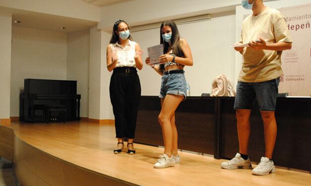 Éxito de participación en los cursos de formación para jóvenes en Valdepeñas con 100 participantes