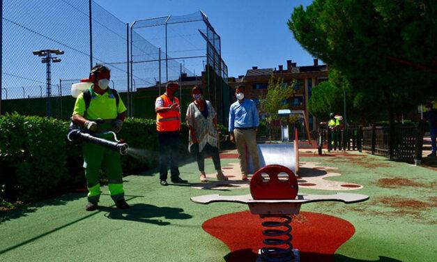 """Pérez Quislant: """"Nuestros equipos de limpieza están realizando labores de desinfección a fondo en entradas de residencias, centros de salud, parroquias o mercados"""""""