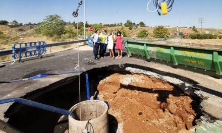Milagros Tolón supervisa el estado de las obras de reparación que acomete Tagus en la red de saneamiento de Valparaíso