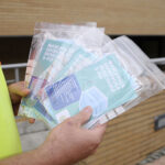 El Ayuntamiento reparte otras 90.000 mascarillas quirúrgicas en los domicilios de Boadilla