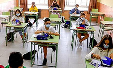 El Ayuntamiento de Almodóvar del Campo hace llegar los kit anti-Covid a los centros docentes