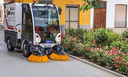 Nueva barredora aspiradora automóvil para potenciar la limpieza urbana en todo el casco urbano de Almodóvar