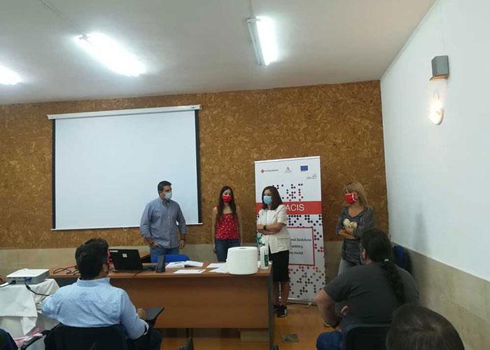 El Ayuntamiento de Jaén colabora con Cruz Roja para poner en marcha un curso de manipulador de alimentos en el barrio de Puerta de Martos