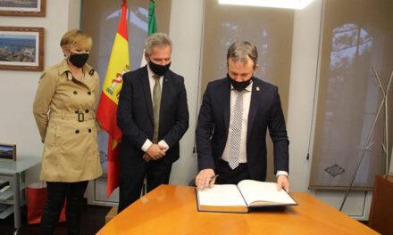 El Ayuntamiento de Jaén y el Puerto de Motril firman un acuerdo de colaboración para explorar el desarrollo de instalaciones portuarias en la capital y facilitar la salida de mercancías