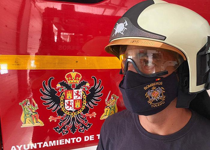 Bomberos interviene en la extinción de un incendio que se salda sin daños personales en un establecimiento hostelero del Casco