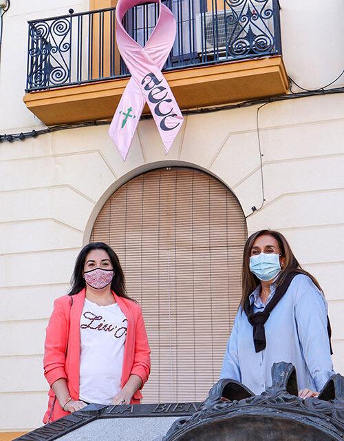 Almodóvar del Campo pinta de rosa toda concienciación para hacer frente al cáncer de mama
