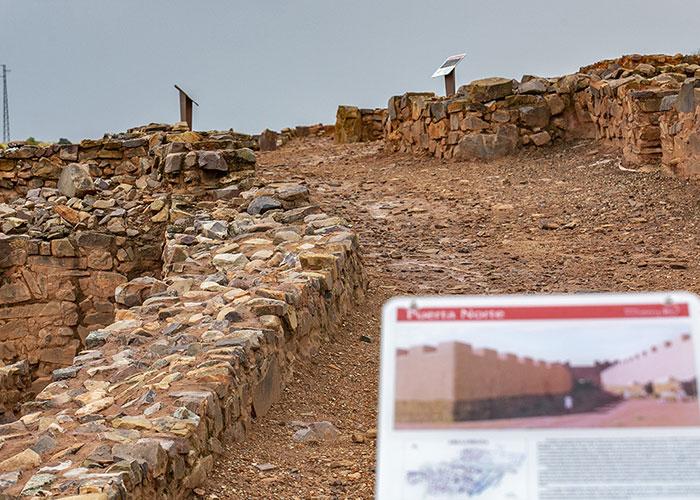 Valdepeñas celebra el anuncio de Parque Arqueológico del yacimiento 'Cerro de las Cabezas'