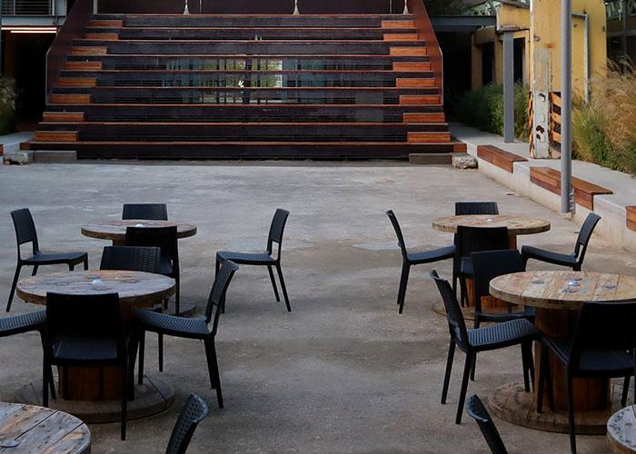 El Ayuntamiento de Jaén y Hosturjaén acuerdan mantener la ampliación del espacio para terrazas hasta el 15 de enero como medida de seguridad anticovid