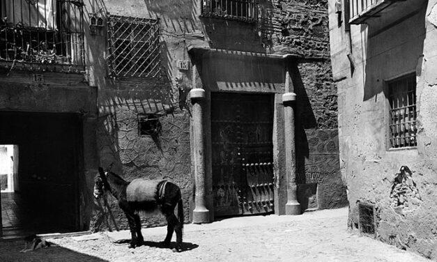 El Archivo Municipal muestra las fotografías toledanas de Luis García Garrabella