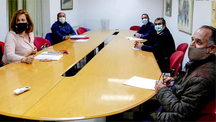 La alcaldesa de Argamasilla de Calatrava brinda su complicidad a representantes de STR en la lucha común por el futuro de la comarca