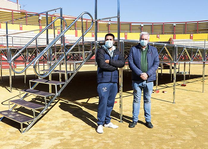 El Ayuntamiento de Almodóvar del Campo adquiere un escenario desmontable de 120 metros cuadrados