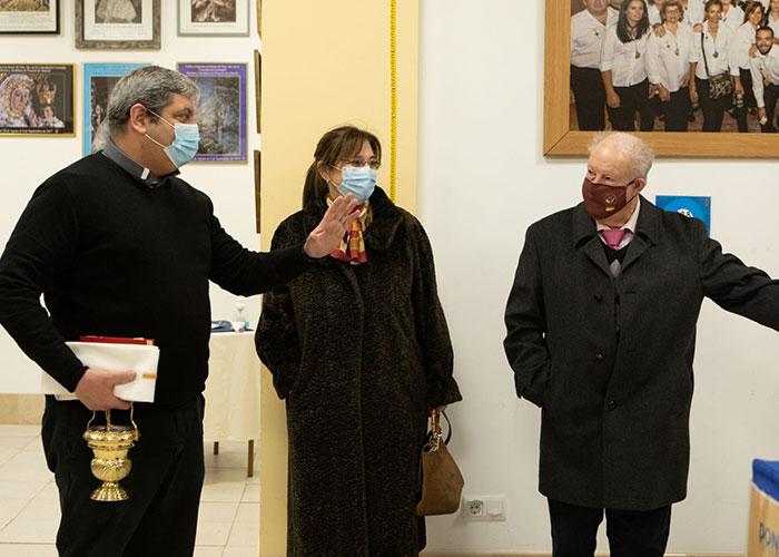 La alcaldesa visita el Belén de la Congregación de Nuestra Señora de la Consolación