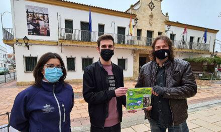 El concejal de Juventud entrega el premio del concurso 'Jóvenes de Argamasilla de Alba frente a la Covid-19'