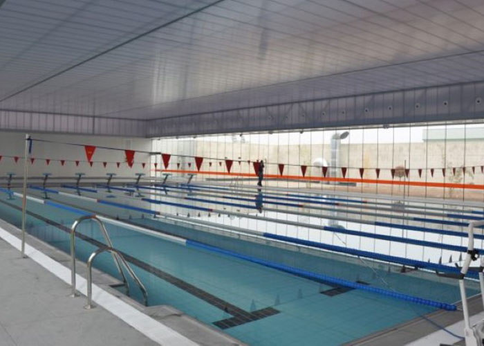 El Ayuntamiento de Martos prepara la apertura de la piscina cubierta para la segunda quincena de enero