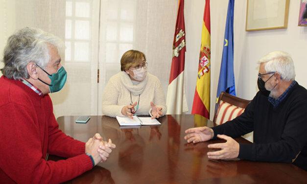 El Gobierno de Castilla-La Mancha se interesa por los proyectos que realiza la Fundación Fuente Agria de Puertollano