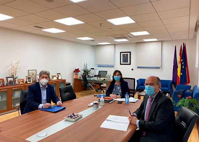 Pérez Quislant se reúne con el presidente de la Colonia de Los Ángeles